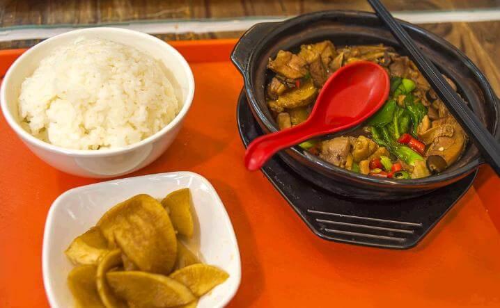 美味坊黄焖鸡米饭品牌介绍图2