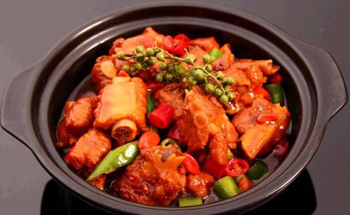 鲁味黄焖鸡米饭品牌介绍图2