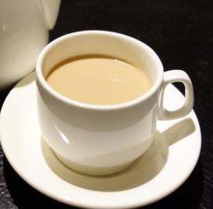 壶沏奶茶图1