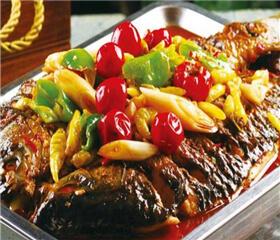 十里桃林烤鱼图3