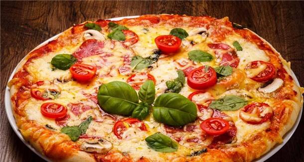 比萨熊披萨品牌介绍图4