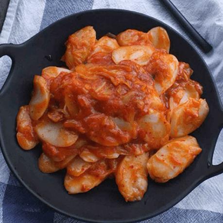 好吃不贵的番茄酱炒年糕的做法