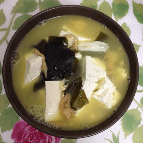 冬季的营养素汤:海带豆腐汤