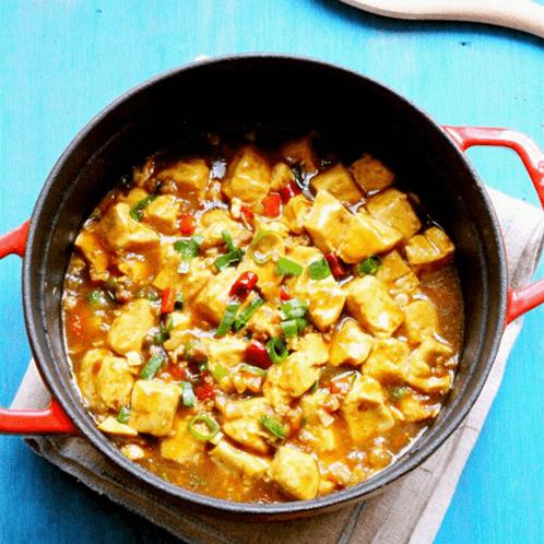 美味的肉末雪菜炖豆腐