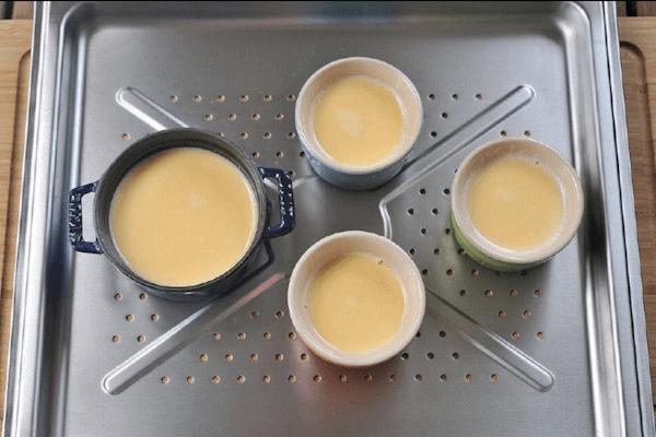 牛奶布丁做法图解4)