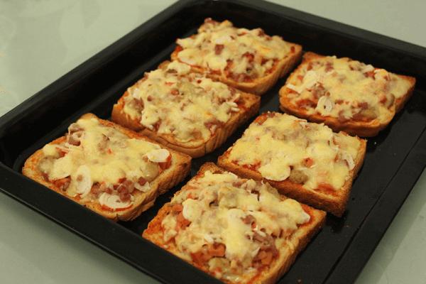 吐司和披萨的搭配简直绝妙,赶紧来看看——土司披萨