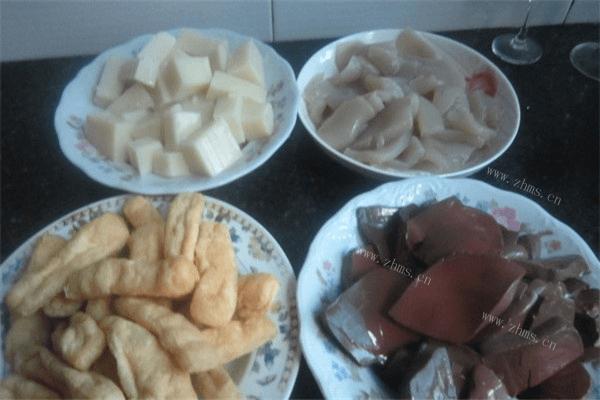 一定要召唤齐一家人一起吃的鱼头火锅,红红火火越吃越有第五步