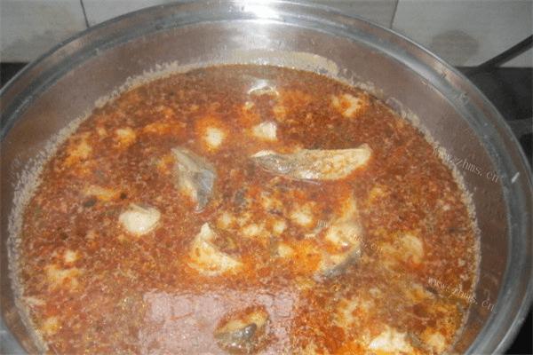 一定要召唤齐一家人一起吃的鱼头火锅,红红火火越吃越有第六步