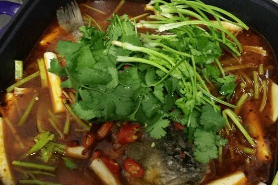 香辣鱼火锅的做法第六步