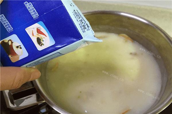 地道的法国菜——奶油蘑菇汤,汤汁超级浓郁第七步