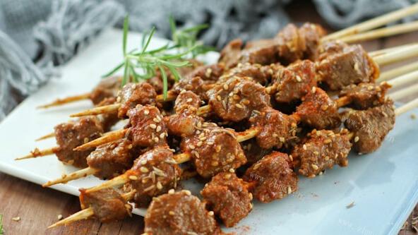 木炭烤肉串
