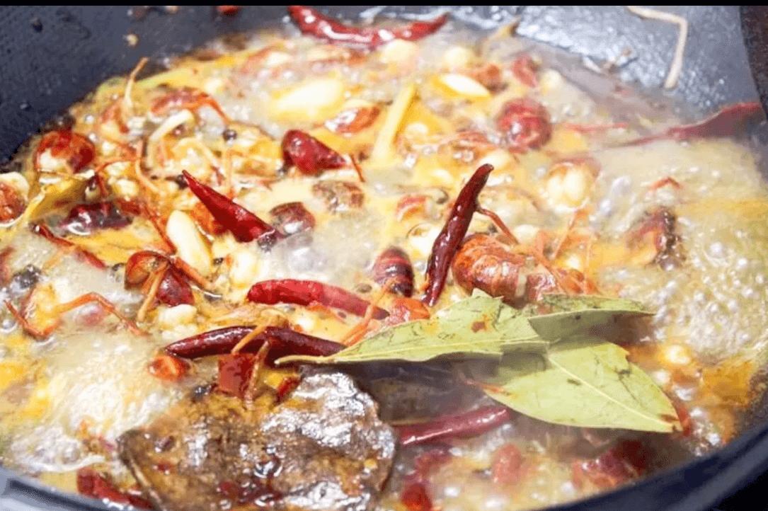 在家就能做的超好吃香辣小龙虾,夏日宵夜档必备第三步