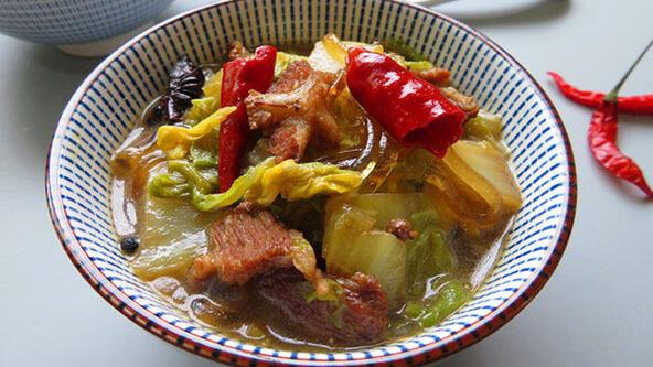 白菜猪肉炖粉条的自制方法