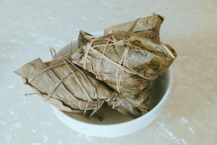 好喜欢吃一些红豆粽子啊,红豆绿豆粽子的怎么做和配料?