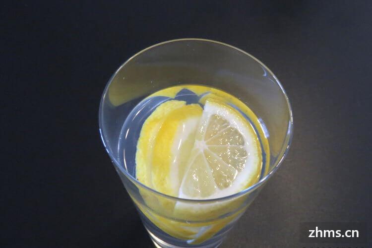 天天喝柠檬水好吗,喝柠檬水的好处和禁忌