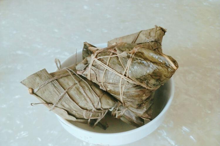 买点粽子,请问阳江粽子的怎么做和配料?