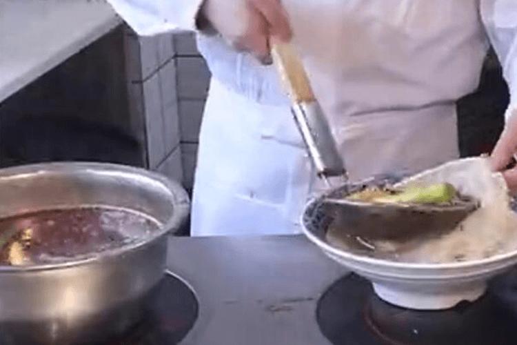 正宗的牛油味冒菜,试了才知道有多好吃!第四步