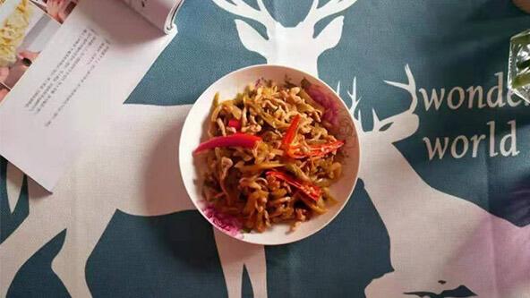 下飯菜的升級吃法——榨菜炒肉絲
