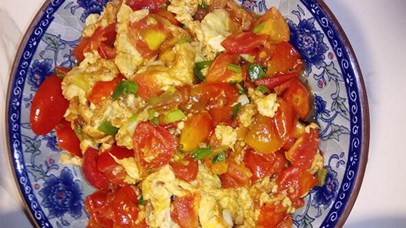很多厨房小白第一道学做的菜:小西红柿炒鸡蛋