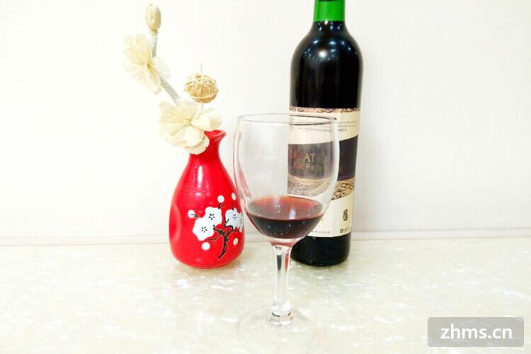 选择红酒的酒杯有什么要求