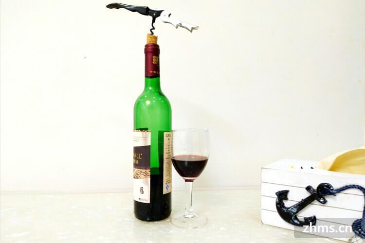 在酿葡萄酒的方法里面,一般选择的葡萄是成熟的葡萄,还是没有成熟的葡萄呢?
