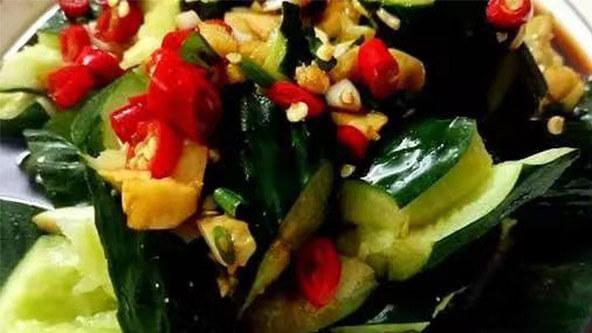 经典夏日凉拌菜——拍黄瓜