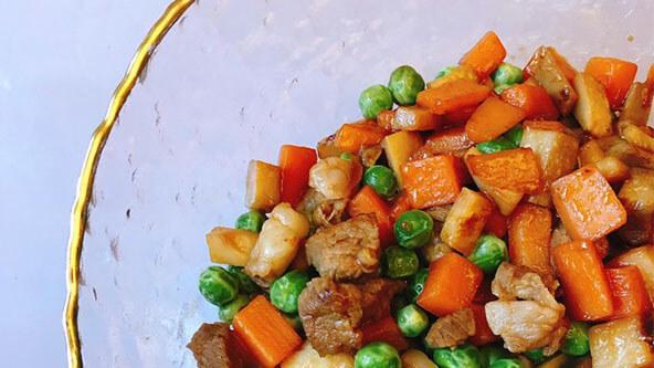 杏鲍菇炒肉粒,承包你今天的所有饭量