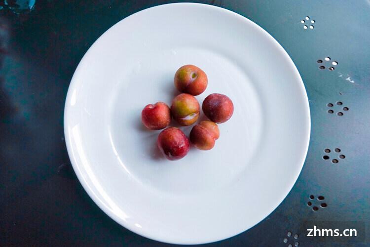 水果三明治的摆盘要怎么摆?