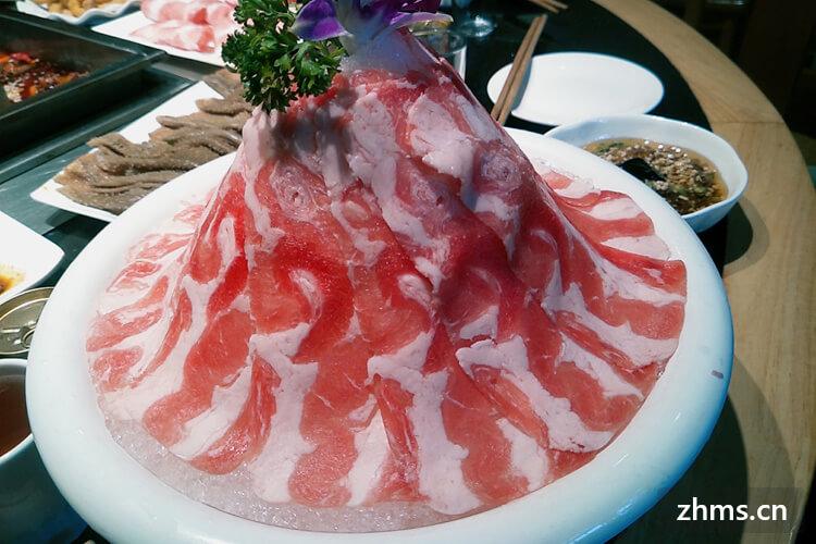 冬天火锅配菜清单有什么菜,超市和菜市场哪个地方更适合采购?