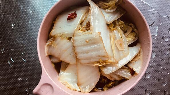 必学的酸酸开胃菜:醋溜白菜