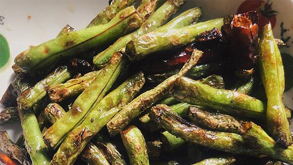 简单几步就能在家做出餐馆味道的干煸豇豆