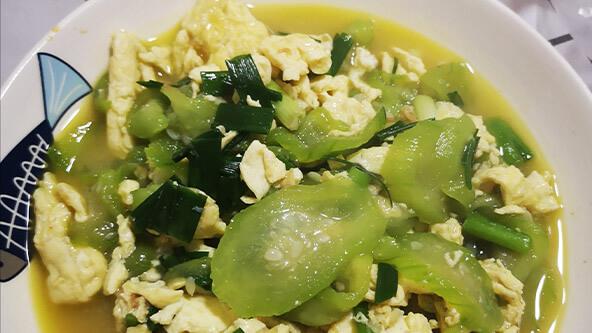 丝瓜炒鸡蛋,不仅好吃还好看!
