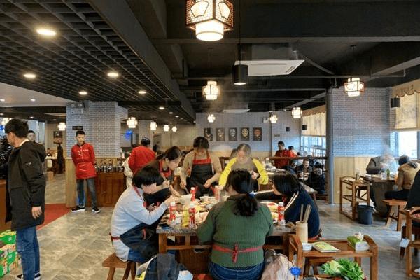 广西杨总准备开设第四个门店,全靠解放碑洞子老火锅强力支持