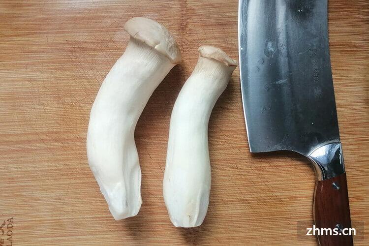 蘑菇和什么一起炒好吃?和素菜还是肉一起炒呢