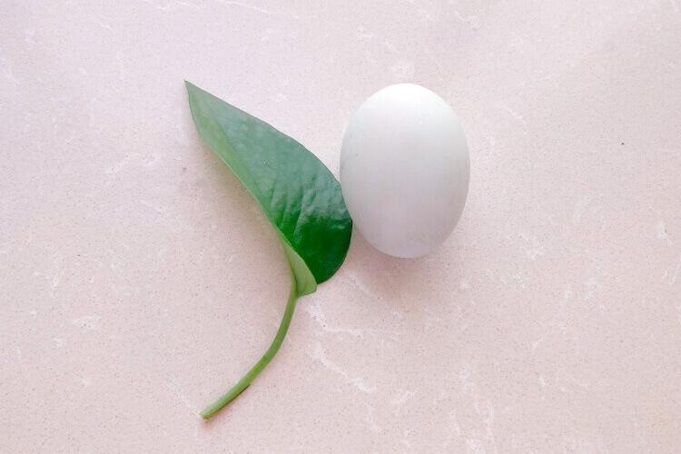 很多人都喜欢吃鸭蛋,鸭蛋白和鸭蛋黄哪个更营养