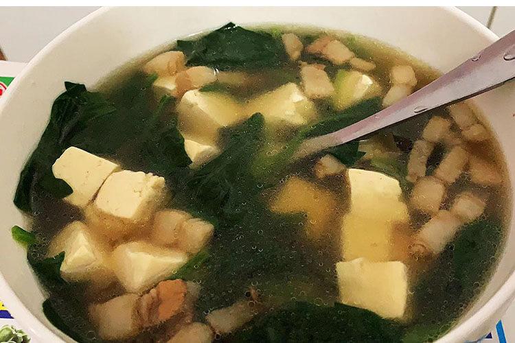 菠菜豆腐汤这样做,还怕没胃口吃饭吗