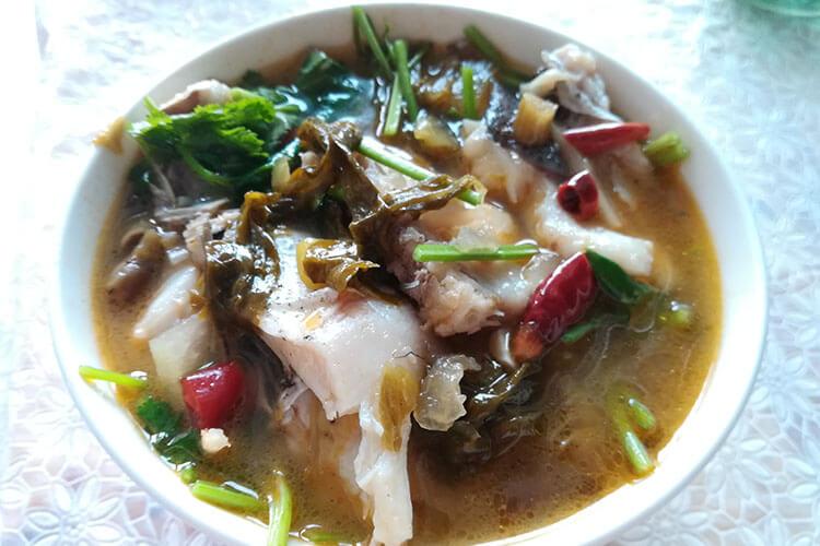 酸辣有味还能喝汤开胃的酸菜鱼