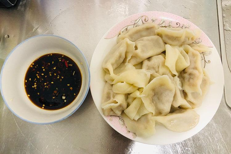 独特的东北酸菜饺子,东北酸菜和饺子结合的美味,根本不容错失!