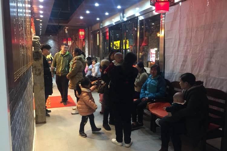 重庆崽儿火锅,300余家加盟店图2