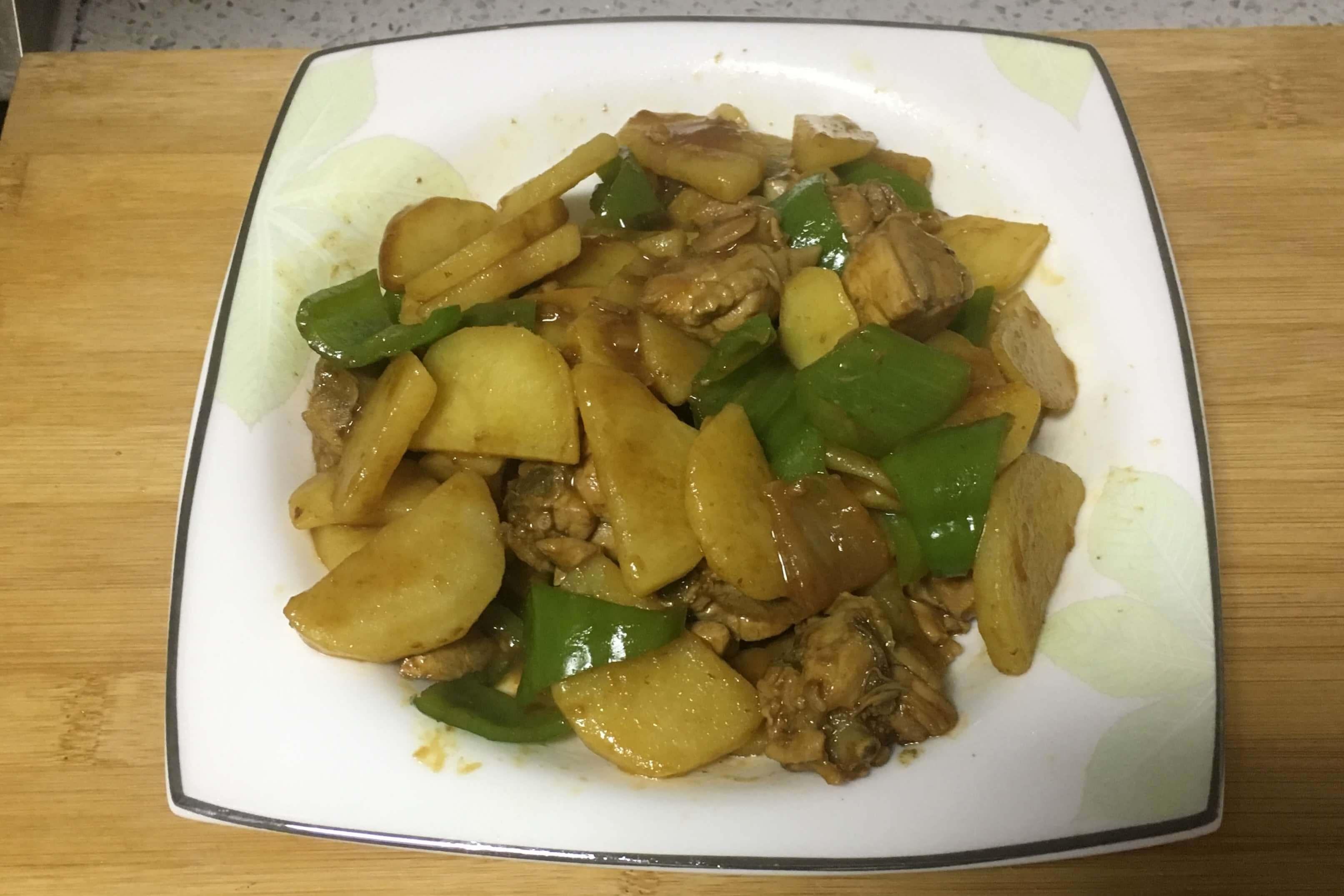 这样做土豆炖鸡块既好吃又简单