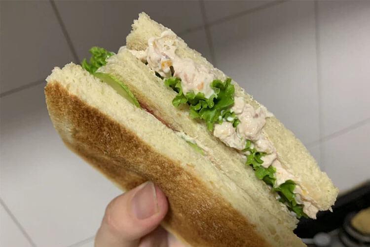 自制三明治,五分钟解决你的早餐问题