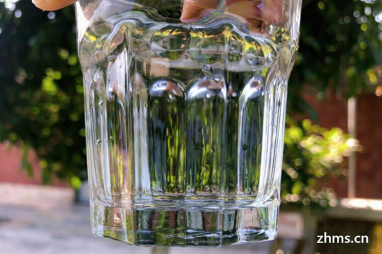 水能解渴吗