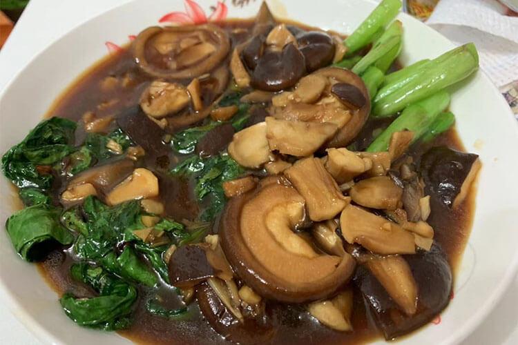 一道簡單的香菇菜心,鮮嫩和鮮嫩的疊加是美味和美味的加倍
