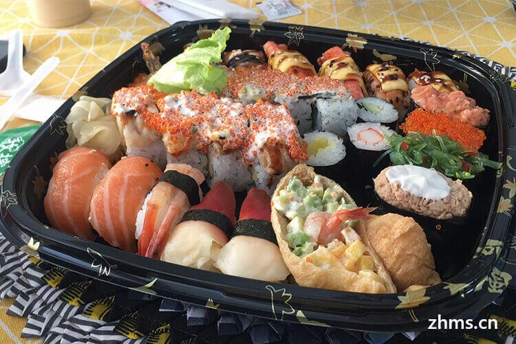 我想开家寿司店,有没有人知道一盒寿司的成本大概是多少钱?