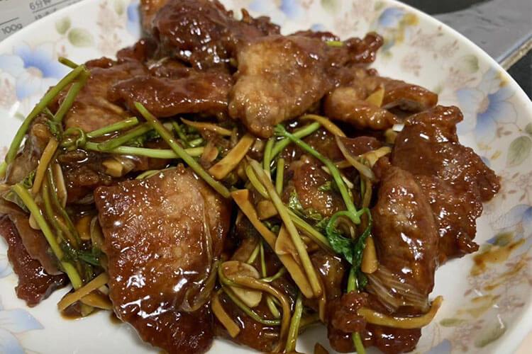 不挂面糊也能做好吃的东北锅包肉,糖醋比例把握好,你就掌握了美味的秘籍!