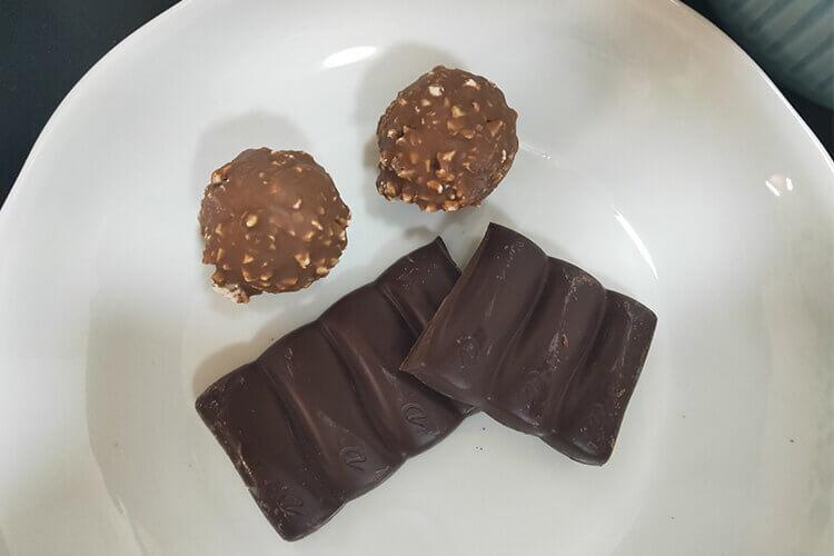 特别喜欢吃黑巧克力,想问黑巧克力无糖的什么牌子的好?