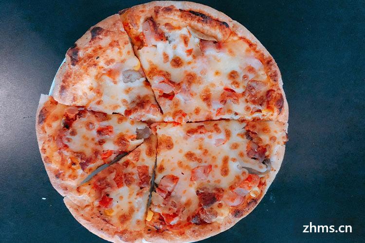 我特别喜欢吃披萨,尤其是披萨里面的芝士,芝士的热量高不高啊