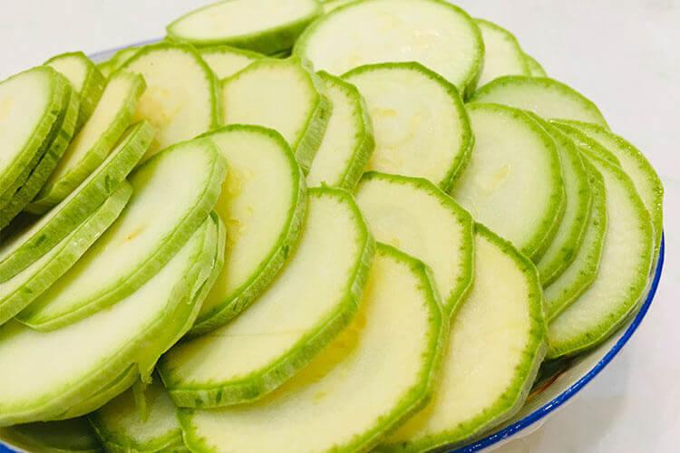 不是很认识角瓜,想问一下角瓜和西葫芦是一个东西吗?
