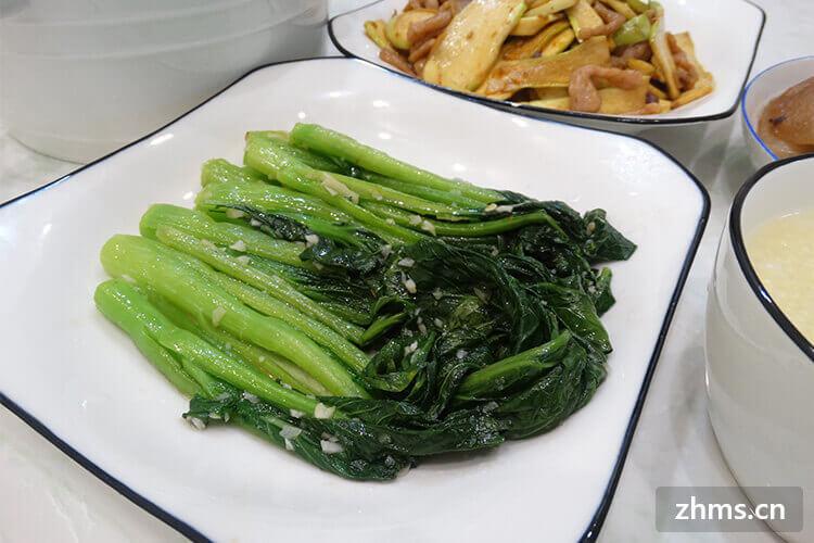 广东人喜欢吃炒菜心是不是?怎么炒呢?