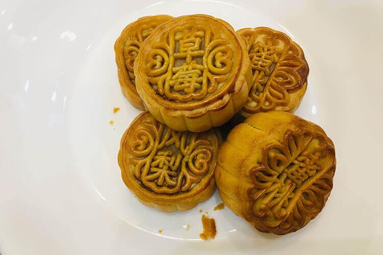 很喜欢吃广东那边的月饼,广东月饼有什么馅?